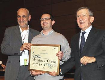 Lorenzo Zuccarello riceve il premio